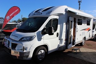 2017 Avan Ovation M6