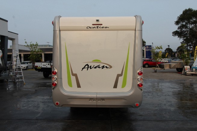 2020 Avan Ovation M9