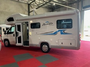 2019 Avan OVATION M5
